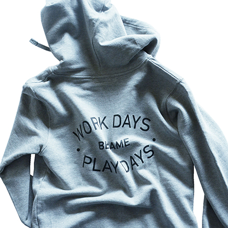 p01-zip-hooded_workday_03