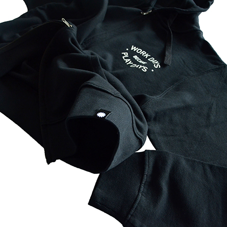 p01-zip-hooded_workday_05