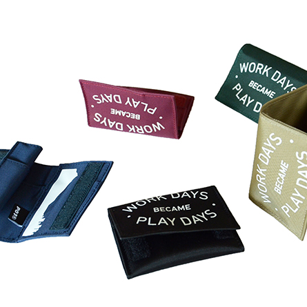 play_wallet_b_p01_16-17_02