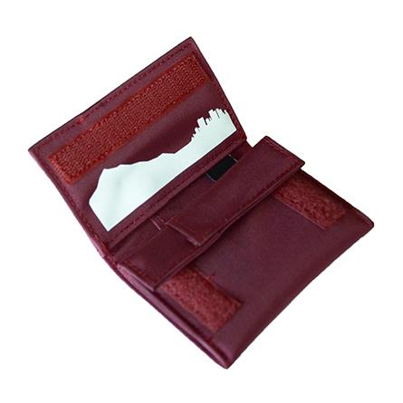 play_wallet_b_p01_16-17_07